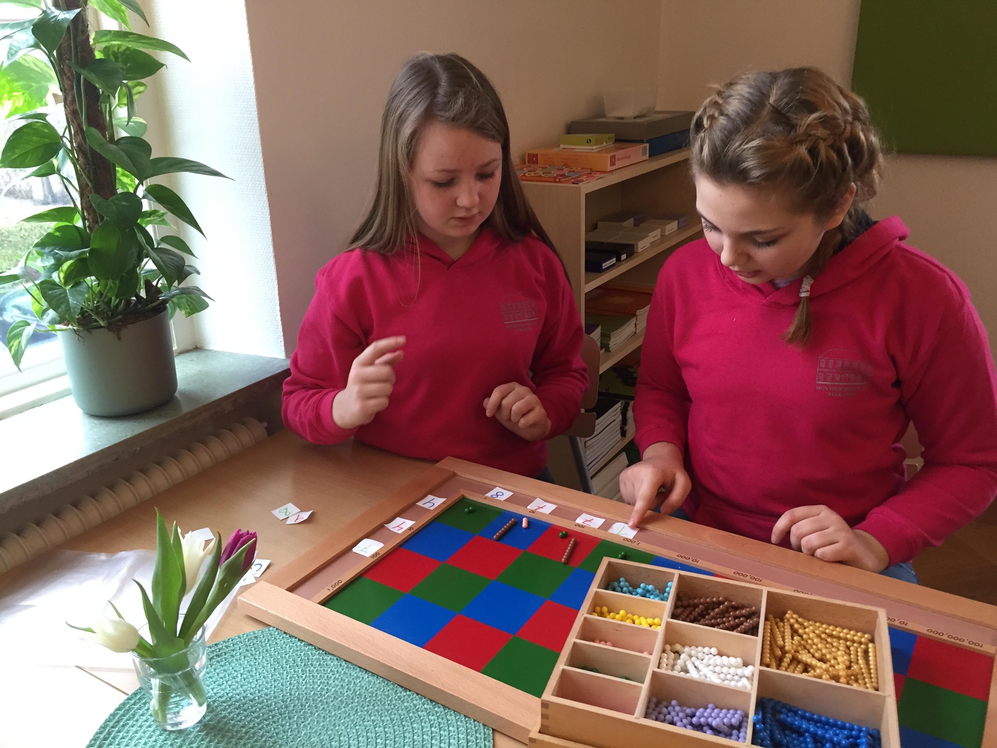 Montessorimaterialet visades upp och förklarades
